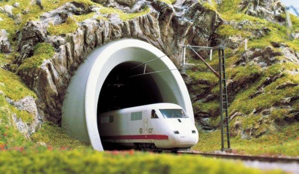 ICE-Tunnelportal