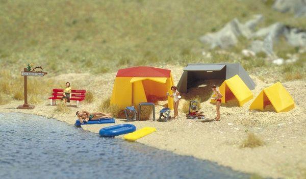 Motiv-Set: Ein kleiner Campingplatz