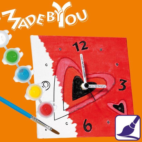 »Love« Uhr zum Ausmalen