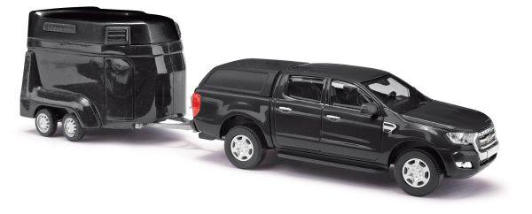Ford Ranger mit Pferdeanhänger