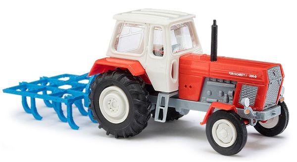 Traktor mit Schwergrubber