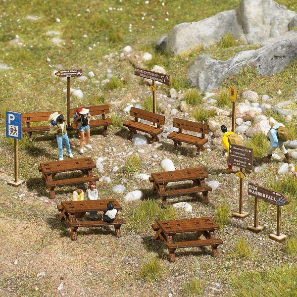 Wald-Sitzgarnitur aus Echtholz