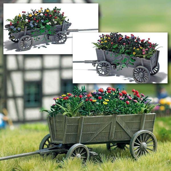 Holzwagen mit Blumen