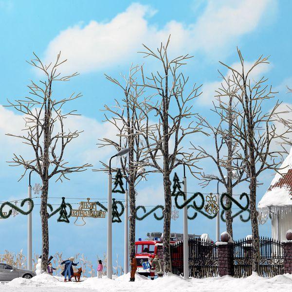 4 winterliche Platanen