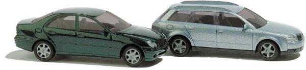 Audi A4 Avant und Mercedes-Benz C-Klasse, metallic