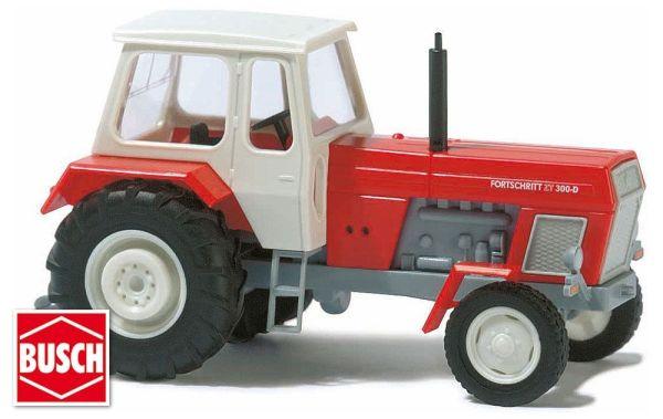 Traktor »Fortschritt« rot und blau