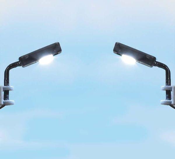 2 Industrie-Leuchten
