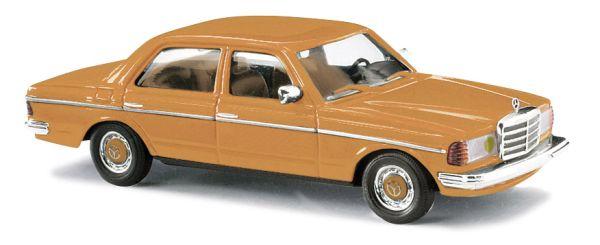 MB W123 Limo, Frankreich/gelbe Scheinwer