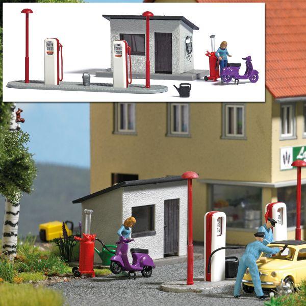 Action-Set: Tankstelle mit Motorroller