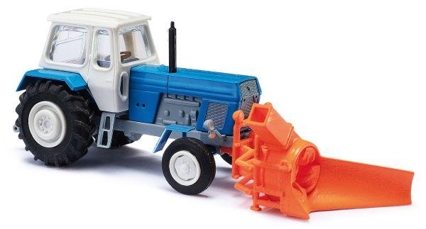 Traktor mit Schneefräse TT